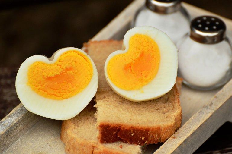 web_1400_egg-1536990_1920